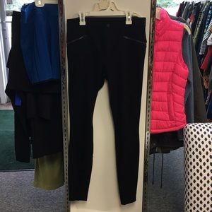 Athleta Black skinny pants with zip pockets size 4